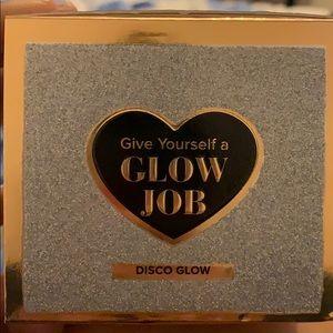Too Faced Glow Job